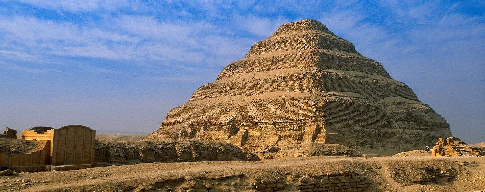 classic-egypt-tour-saqqara-djoser-pyramid