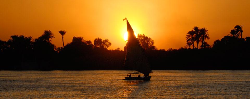 luxor_nile_felucca_sunset
